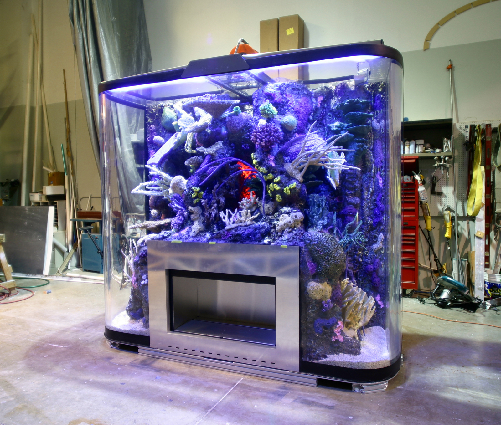 how to make a self cleaning aquarium